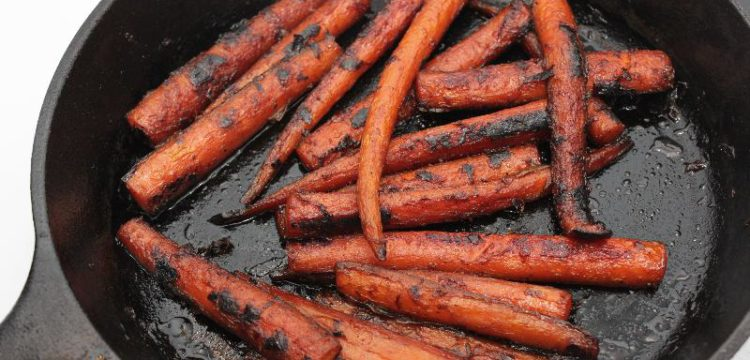 Citrus Maple Glazed Carrots | side dish recipes | appetizer recipes | holiday recipes | fall recipes | BearandBugEats.com
