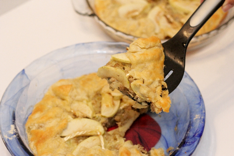 Savory Turkey Apple Brie Galette is a great way to elevate leftover turkey! Straightforward and elegant, serve this recipe at home or at parties! | turkey recipes | pie recipes | BearandBugEats.com