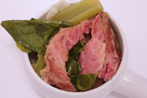 Slow Cooker Corned Beef | St. Patrick's Day recipes | slow cooker recipes | BearandBugEats.com