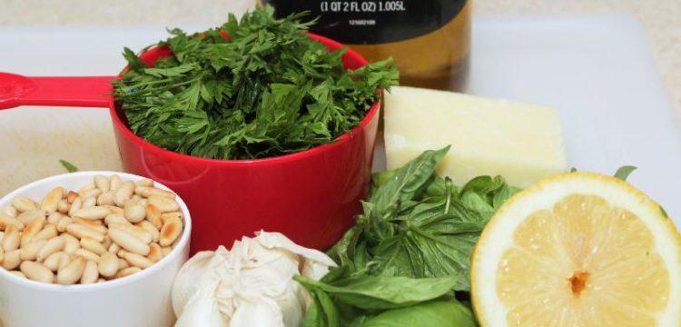 Carrot Top Pesto | vegetarian recipes | sauce recipes | BearandBugEats.com