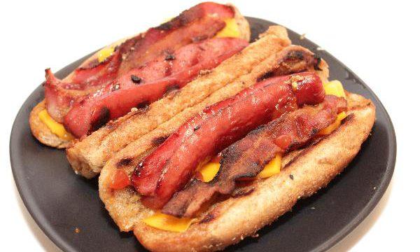 Bacon Cheese Hot Dogs | grilling recipes | summer recipes | BearandBugEats.com