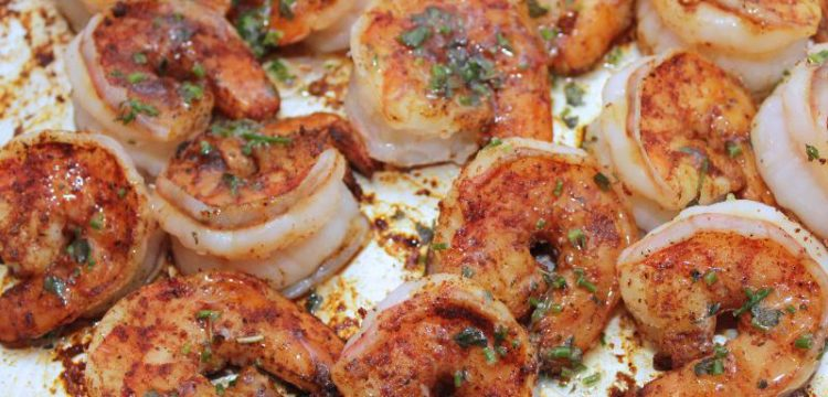 Spicy Garlic Shrimp with Herbed Butter! This entree-or-appetizer comes together in less than 15 minutes and is packed with flavor | seafood recipes | grilling recipes | BearandBugEats.com