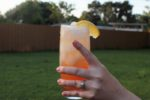 Honey Ginger White Peach Bourbon Fizz! This cocktail recipe will bring a cool, refreshing flavor to your last summer gatherings. | cocktail recipes | summer recipes | fall recipes | BearandBugEats.com