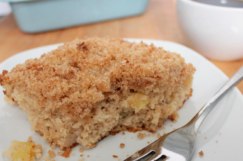 Apple Coffee Cake is amazing at a leisurely brunch or for breakfast on the go! | brunch recipes | apple recipes | #appleweek | BearandBugEats